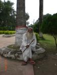 Devotees in the graveyard of Lalan Shah, Kustia (2)